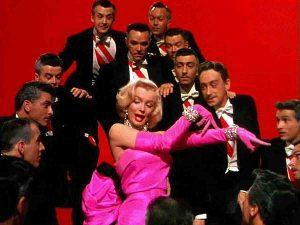 Marilyn Monroe w kreacji z kryształami Swarovskiego w filmie